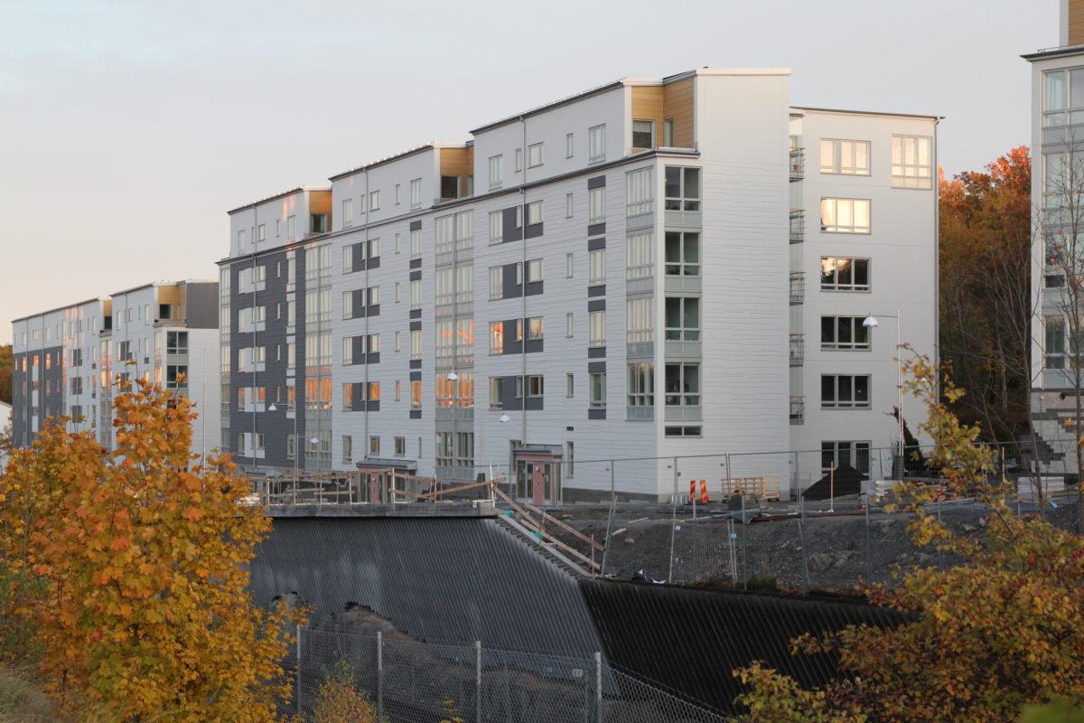 Lägenhetsbyte, 3 rum i Dunderbackens kollektivhus, Axelsberg.